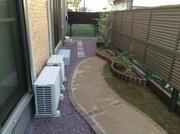 雑草と水はけの悪さに困っていましたが、台風が来ても庭が浸水することはありませんでした。