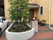 既存の樹木を撤去してスッキリ お手入れも楽チンなお庭にリフォーム