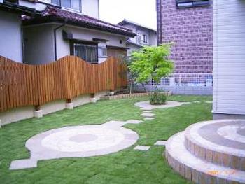 要望通りの子供達が遊べる広い芝生のある庭になりました。ありがとうございます。
