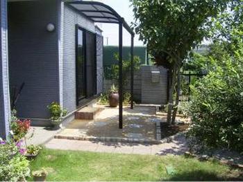 テラスガーデンがすっきり使いやすくなりました。リビングから見える庭が最高です。