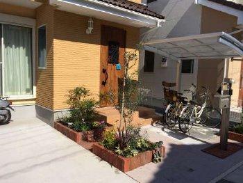 お庭に植栽スペースがあると、やはり良いですね。
